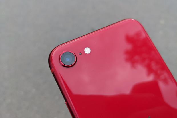 Má iPhone SE (2020) opravdu nejlepší fotoaparát ve své třídě?