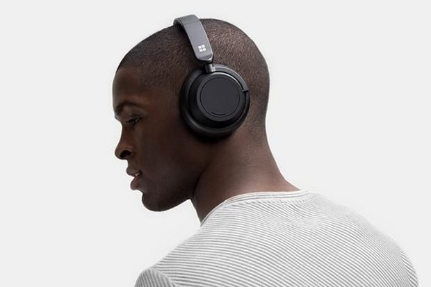 Surface Headphones 2 jsou bezdrátová sluchátka osvědčeného vzhledu
