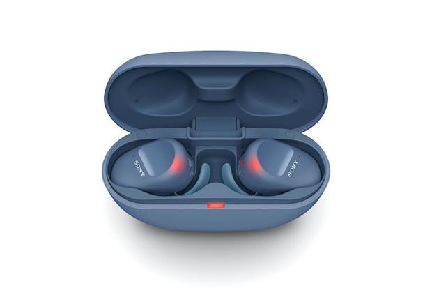 Sony představilo sportovní sluchátka WF-SP800N s podporou ANC a odolností IP55