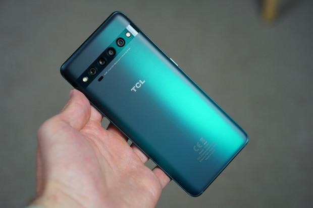 Vybrané telefony TCL dostávají Android 11. Patří mezi ně i váš kousek?