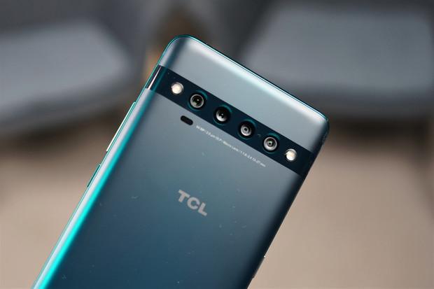 Jaké jsou naše první dojmy z TCL 10 Pro se 4× fotoaparátem?