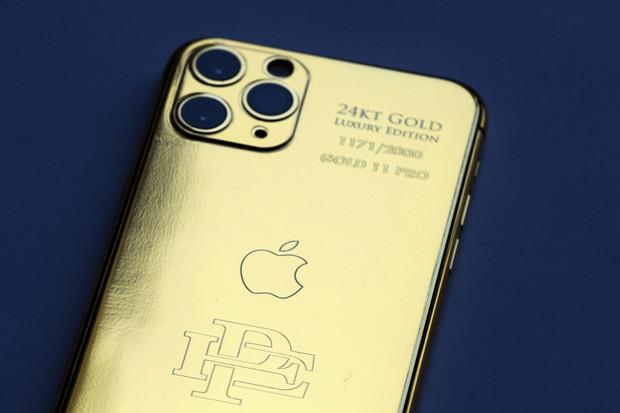 Kdo se nachytá? Escobar nabízí pozlacené iPhony 11 Pro za směšně nízkou cenu