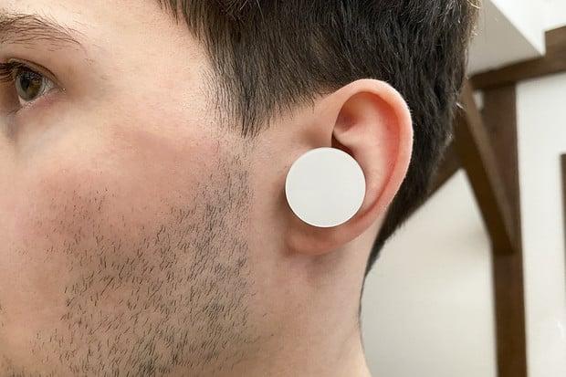 Microsoft Surface Earbuds v redakci: vše, jen ne konvenční bezdrátová sluchátka