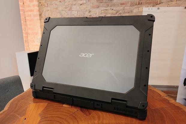Acer nám ukázal superodolný notebook Enduro N7 s certifikací IP65 a výzorem kufříku