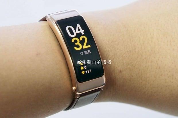 Náramek Huawei TalkBand B6 bude mít USB-C a velký displej