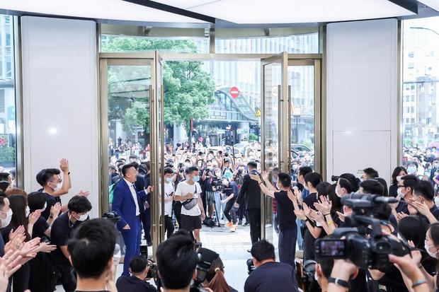 Huawei v Šanghaji otevírá svůj celosvětově největší showroom