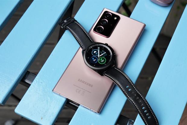 Samsung prosperuje, ve třetím čtvrtletí prodal dvakrát více telefonů než Apple