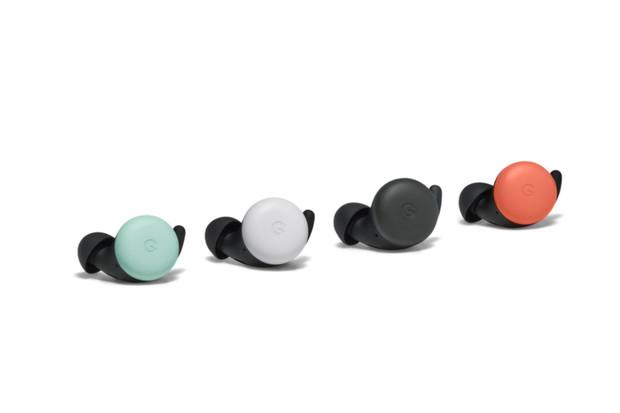 Sluchátka Pixel Buds jsou zase o něco chytřejší. Navíc dorazí v noých barvách