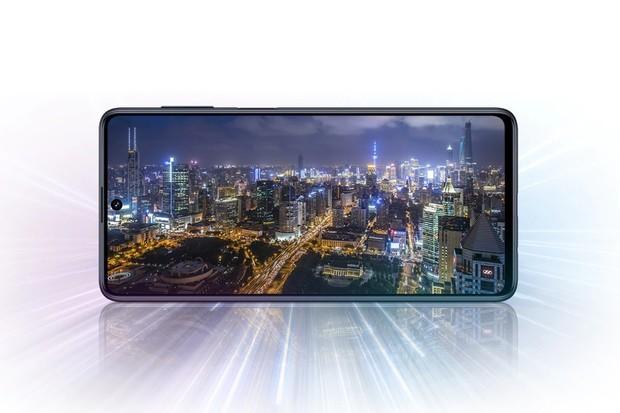 Máme tu rekordmana. Samsung Galaxy M51 má baterii s kapacitou 7 000 mAh