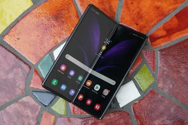 Samsung bude vyrábět ohebné displeje pro Google, Xiaomi a Oppo