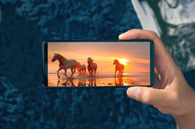 "Nová Sony Xperia 5 II láká na 6,1"" OLED displej se 120 Hz"