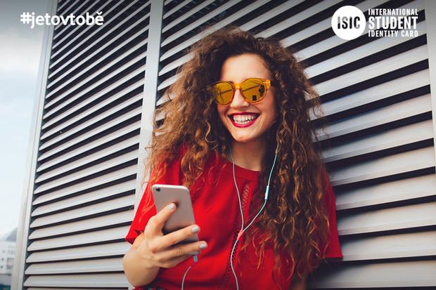 Studenti získají od Vodafonu za 599 korun neomezná data, volání i SMS