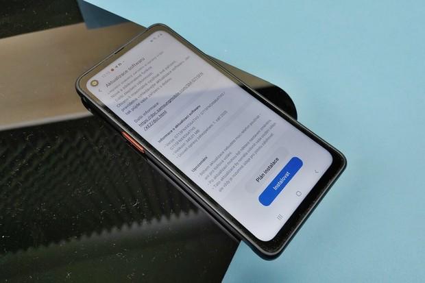 I odolný Samsung Galaxy XCover Pro již má zářijové bezpečnostní záplaty