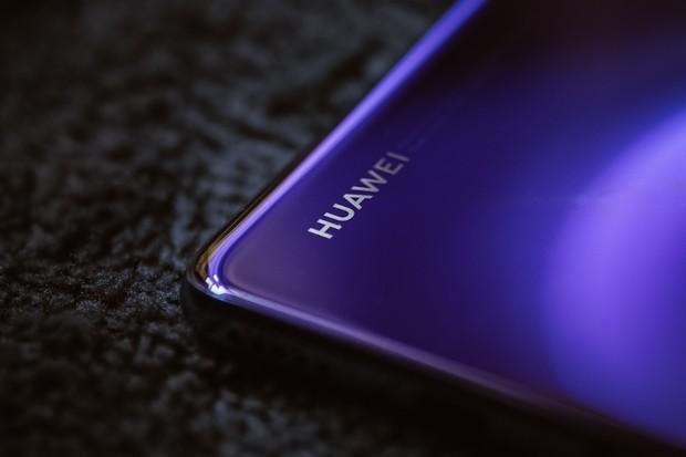 Huawei spouští podzimní slevy. Levnější jsou telefony i hodinky