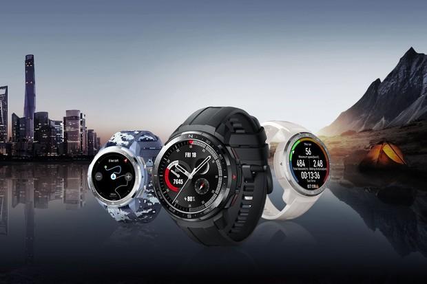 Honor Watch GS Pro: hodinky svýdrží 25 dní a bezdrátovými sluchátky zdarma
