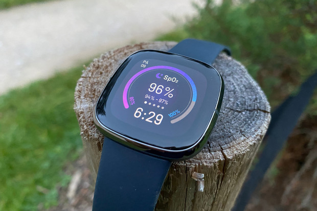 Vyhrajte Fitbit Sense v naší nové soutěži!