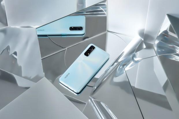 Nejrychleji nabíjený mobil na našem trhu je v prodeji a zaujme i netradiční zárukou