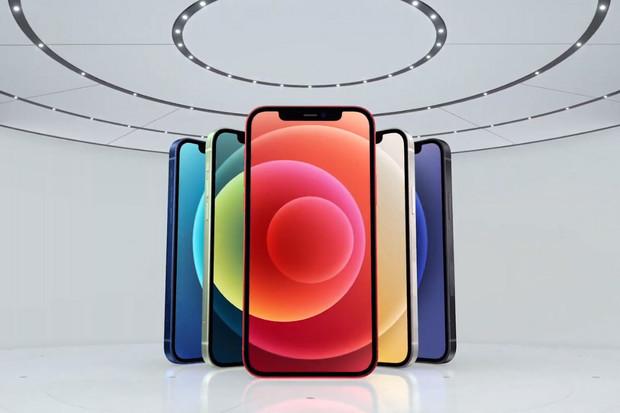 Rozbít displej iPhonů 12 bude 4× těžší, chlubí se Apple