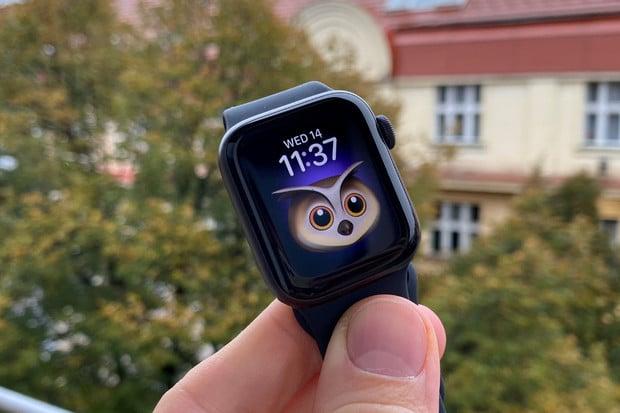 První dojmy z cenově dostupných Apple Watch SE. Mají stále čím překvapit?