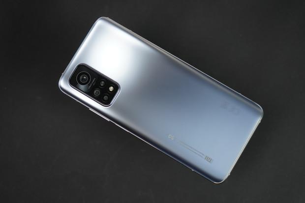 Jak rychle nabijete Xiaomi Mi 10T Pro 33W adaptérem? Prohlédněte si nabíjecí křivku