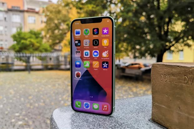 Testujeme iPhone 12! Novinka zaujme nejen konstrukcí a plochým OLED displejem
