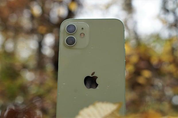 Porovnali jsme, jak fotí nový iPhone 12 oproti iPhonu 11. Podívejte se na výsledek
