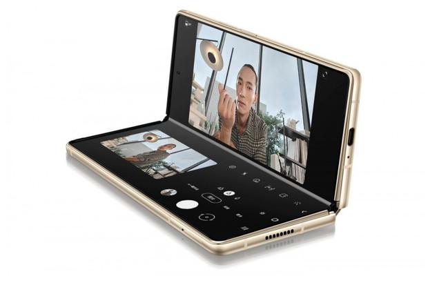 Samsung Galaxy Z Fold2 pro čínský trh má jiný název a mírně upravené specifikace