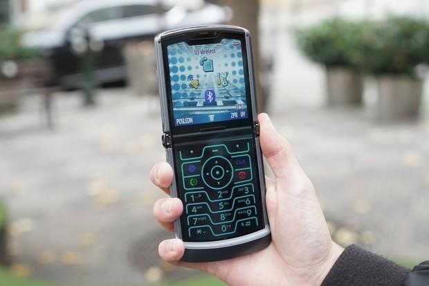 Nejnovější žiletka je na Androidu 11. Aktualizace dorazila na Motorolu Razr 5G