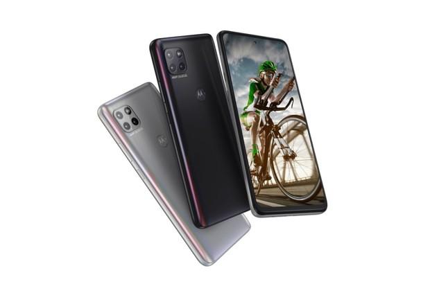Motorola Moto G 5G je obr se třemi fotoaparáty na zádech