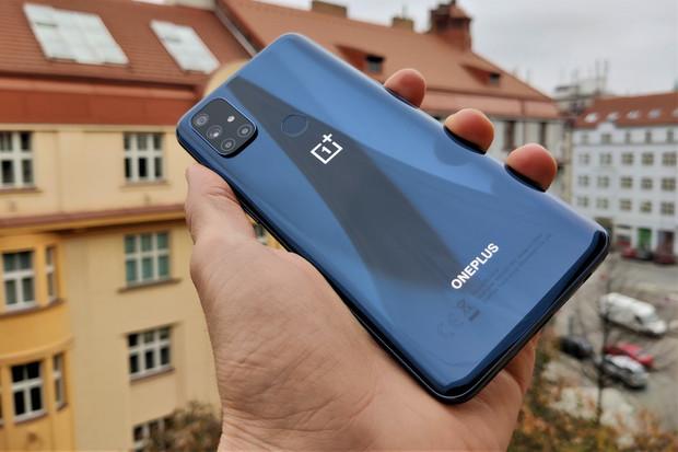 OnePlus Nord N10 5G: když jde o fotoaparáty a konektivitu především