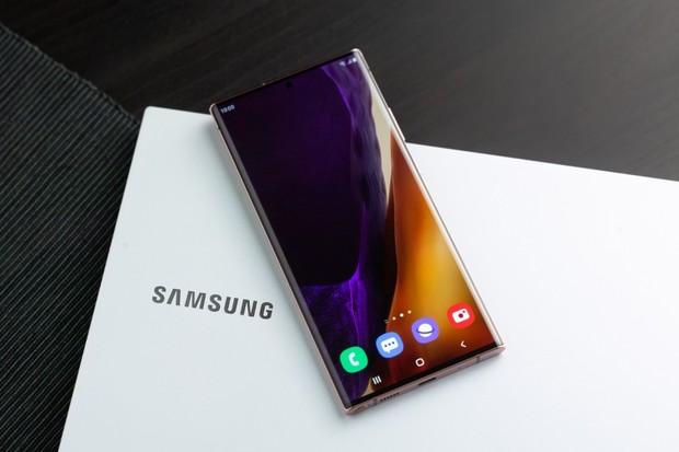 O 10 tisíc levněji. Black Friday zlevňuje nejnovější telefony od Samsungu a  Xiaomi