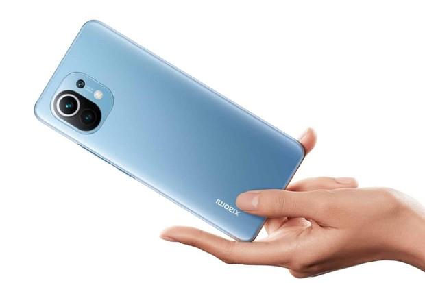 Xiaomi Mi 11 se stalo nejvýkonnějším Android smartphonem na trhu