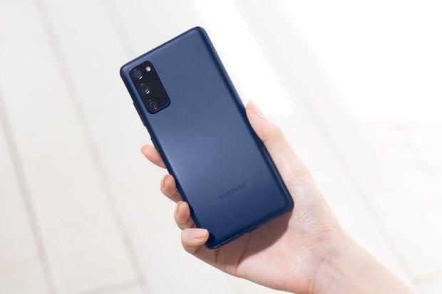 Nejlepší telefon roku 2020. Galaxy S20 FE je na pár dní za super cenu