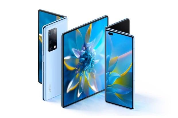 Ohebný Huawei Mate X2 dorazil. Vyplatí se mu inspirace Samsungem?