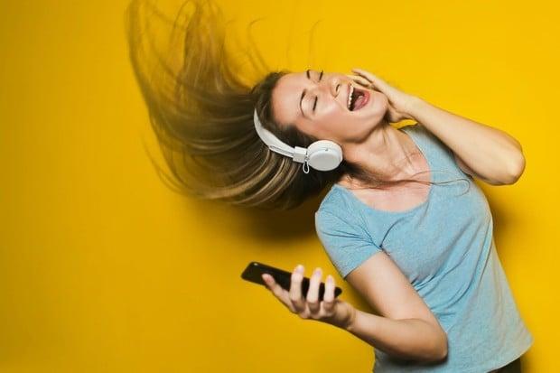 Spotify pro hodinky s Wear OS dostává aktualizaci, která umožní offline poslech