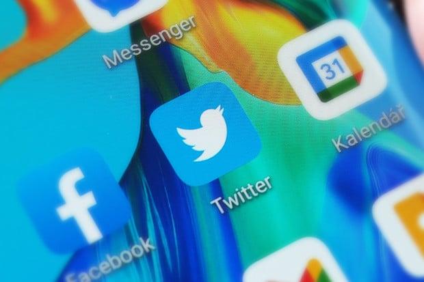 """Předplatné """"Twitter Blue"""" potvrzeno. Měsíčně vás vyjde zhruba na 60 korun"""
