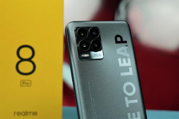 Realme 8 (Pro) 5G se blíží. Novinky postupně odhaluje na Instagramu