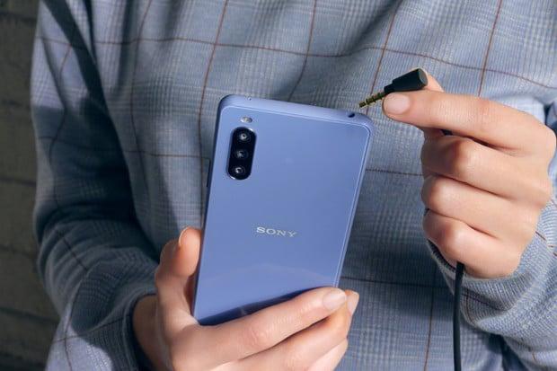 Zbrusu nová Sony Xperia 10 III láká na OLED panel,  5G konektivitu i velkou baterii