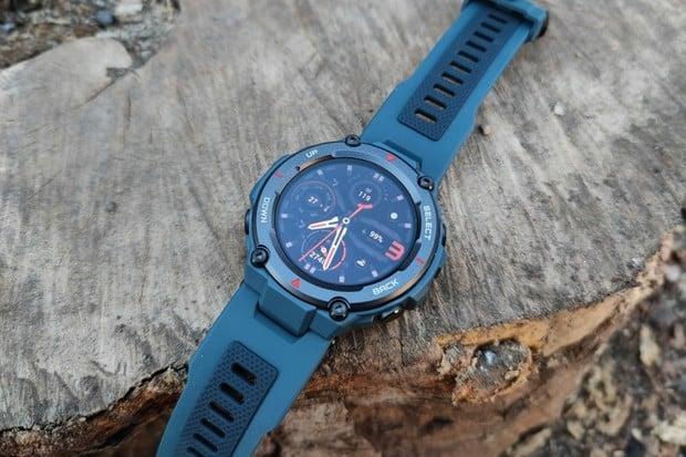 Kamarád do deště: testujeme nové chytré hodinky Amazfit T-Rex Pro