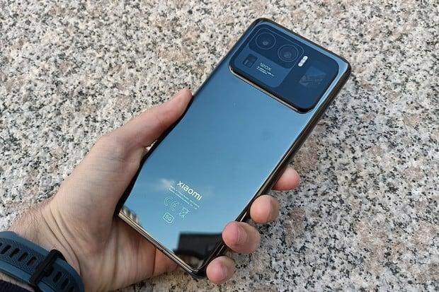 Nejvybavenější Xiaomi Mi 11 Ultra přichází. Známe jeho českou cenu