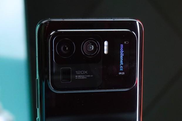 Telefon za 499 Kč, náramek za 99 Kč. Xiaomi otevírá novou prodejnu v Plzni