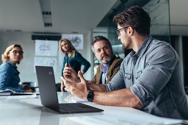 Acer představuje dva ultralehké výkonné notebooky řady TravelMate P6