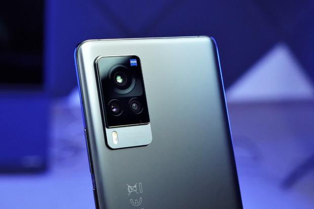Vyzkoušeli jsme, jak fotí a natáčí Vivo X60 Pro 5G se stabilizací Gimbal 2.0