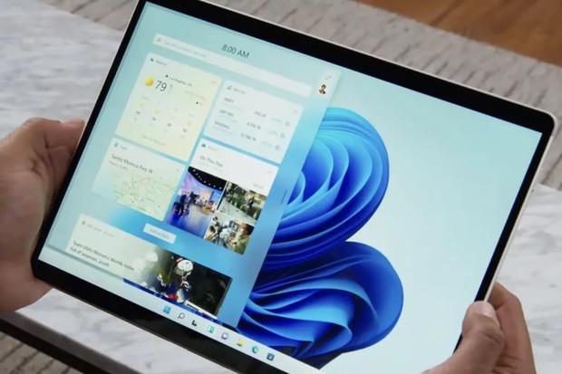 Windows 11 kladou důraz na jednoduchost. Vylepšují widgety a chtějí oslovit hráče