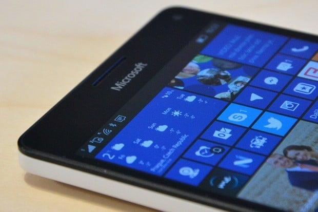 Windows 11 se podařilo rozjet na Lumii 950 XL