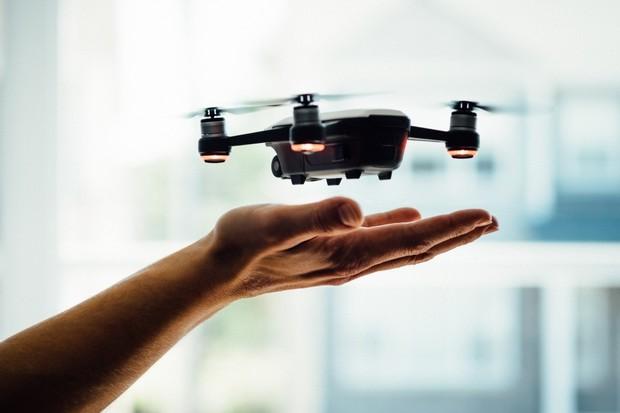 Vivo si patentovalo telefon s vestavěným dronem