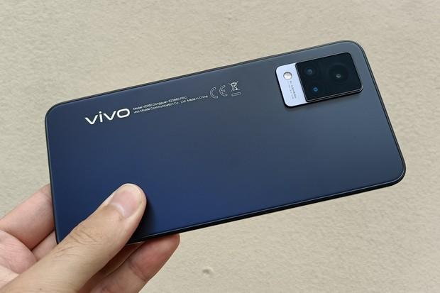 Sympaťák střední třídy? Testujeme nové Vivo V21 5G