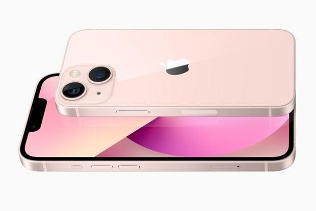 iPhone 13 mini vylepšuje na všech frontách a stále zůstává příjemně malý