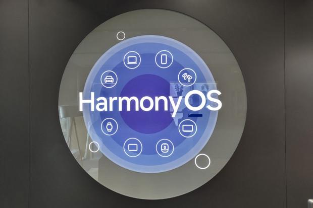 HarmonyOS staví do popředí konektivitu, stelefonem vám propojí klidně i troubu
