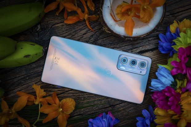 Motorola edge 20 je jedinečný štíhlý fotomobil svýkonným procesorem